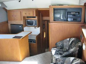 Click to enlarge image  - Cabin and Gally of the Blue Runner 2 -